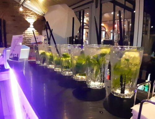 Unsere Bar bei der Hochzeit von Helena & Jan