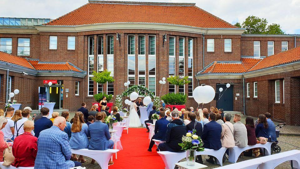 Knepper Management - Alte Lohnhalle - Hochzeit - Desiree & Lucien Sept 20 (5)