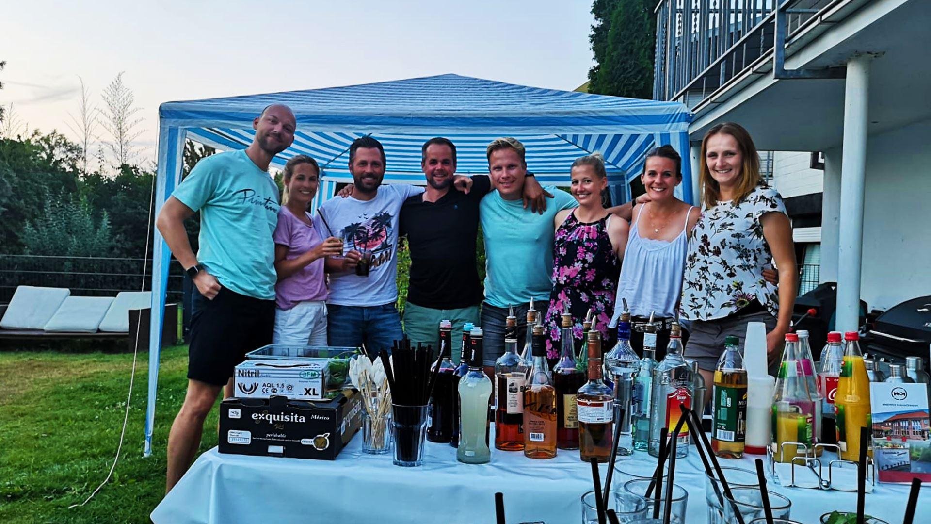 Knepper Management - Cocktailkurs in Essen - Junge Leute